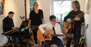 """""""Halwer so schlimm"""" – Sandra Bronder und Band"""