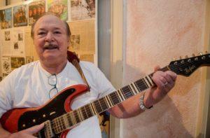 Gründungsmitglied der Cry'n Strings feierte seinen 75. Geburtstag.