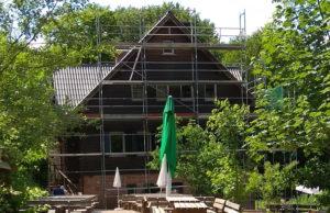 """Die Dachsanierung am Wanderheim """"Dicke Eiche"""" ist abgeschlossen"""