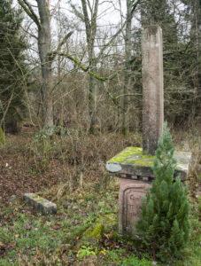 """Feldkreuz in der Hauensteiner Gewanne """"Alte Röder"""" beschädigt"""