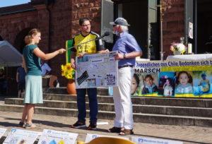 """Der Hungermarsch """"Wandern für die andern – Kindern eine Zukunft geben"""" konnte 20.000 Euro verbuchen"""
