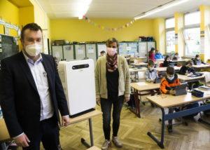 Mobile Lüftungsgeräte für Schulen rücken in den Fokus